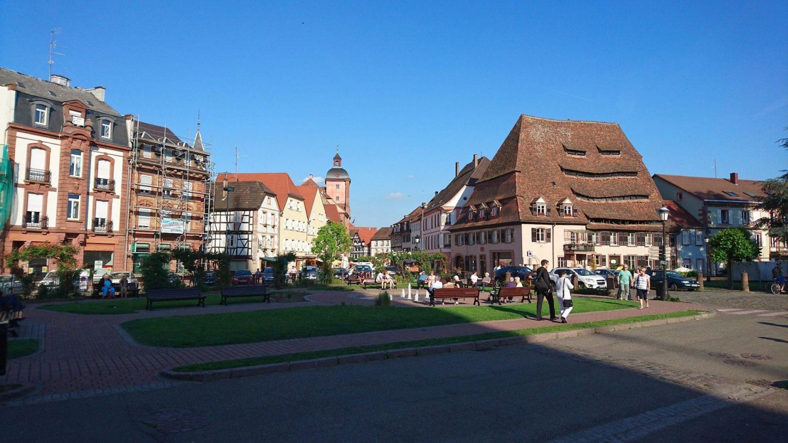 Das Salzhaus von Wissembourg rechts im Bild