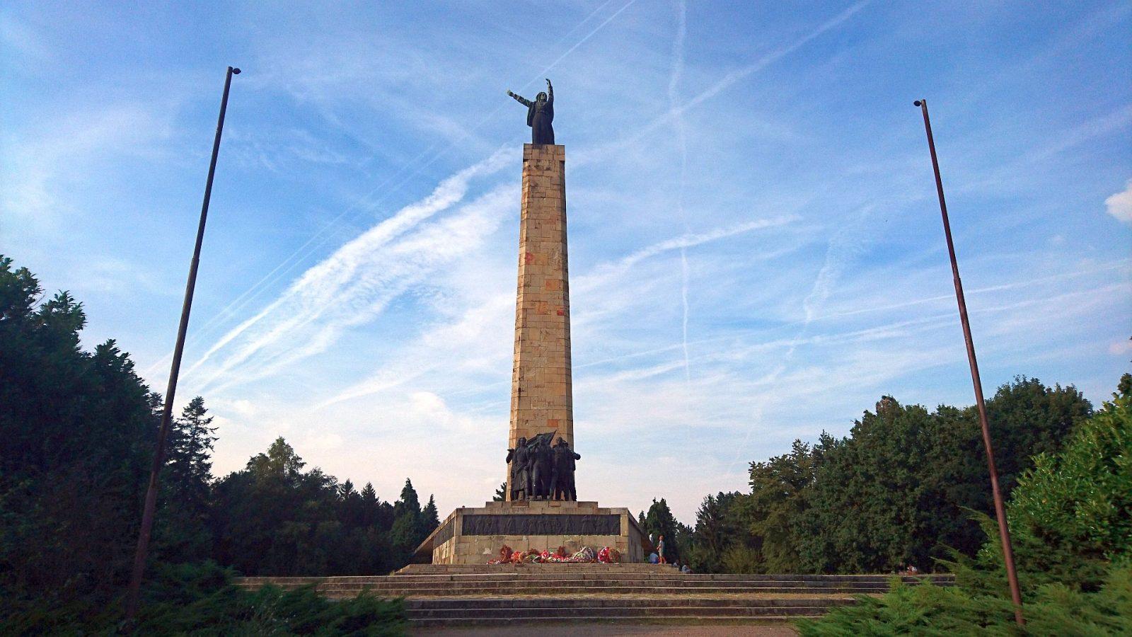 Das Freiheitsdenkmal in der Fruška Gora