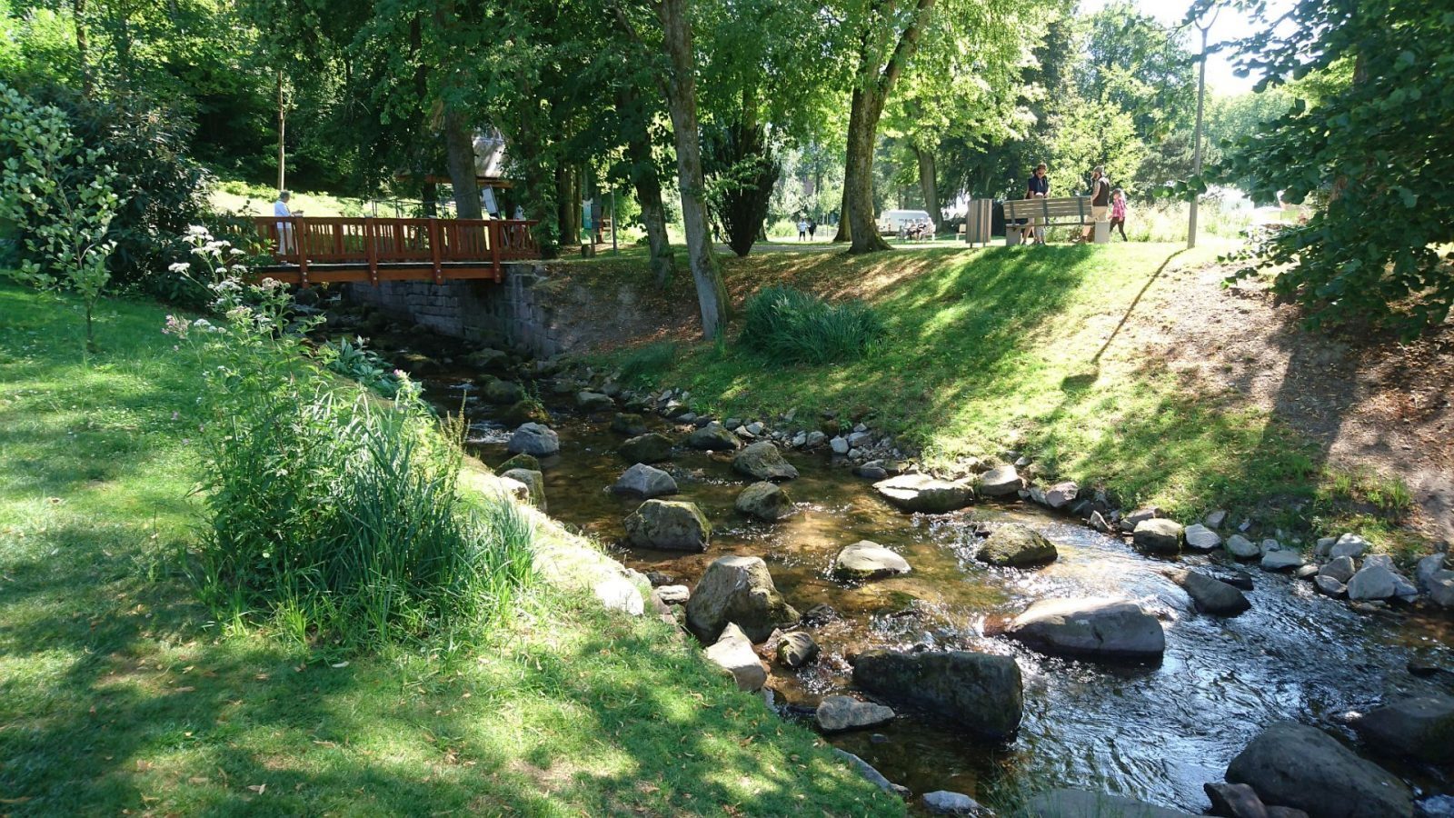 Renaturierter Flusslauf der Alb in Bad Herrenalb