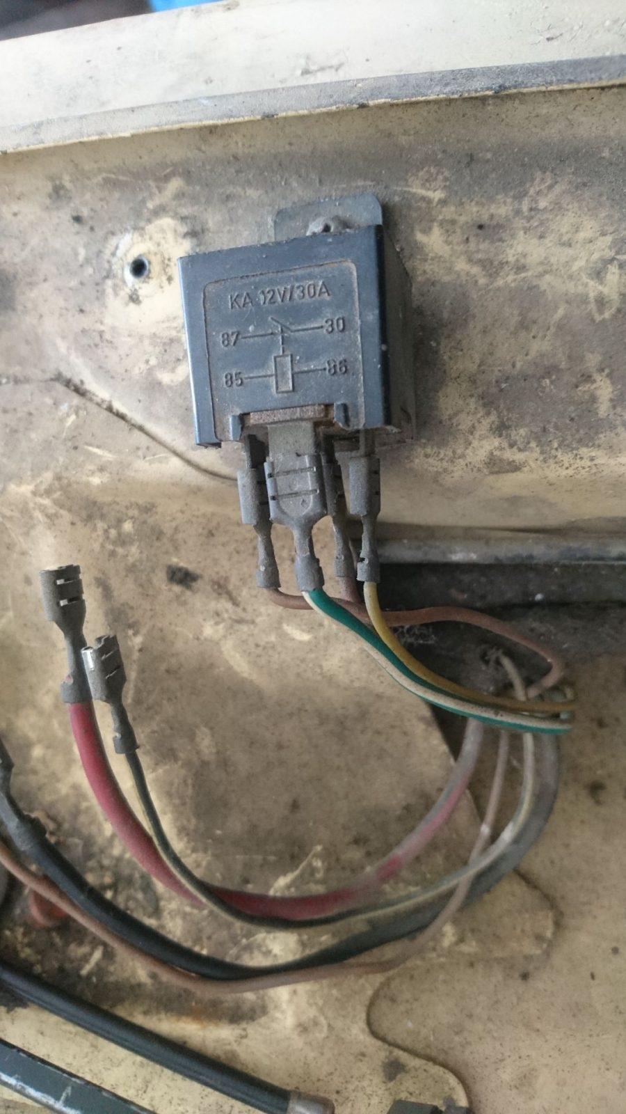 Noch einmal die Anschlusssituation der Elektrik an den Relaisboxen.