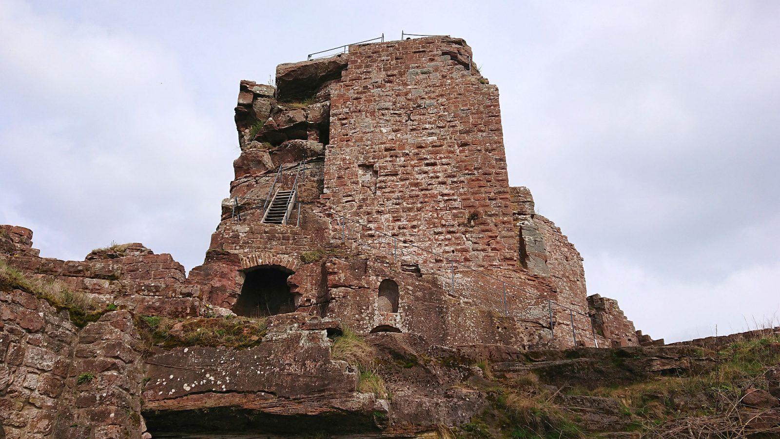 Die Burgruine der Hohenbourg